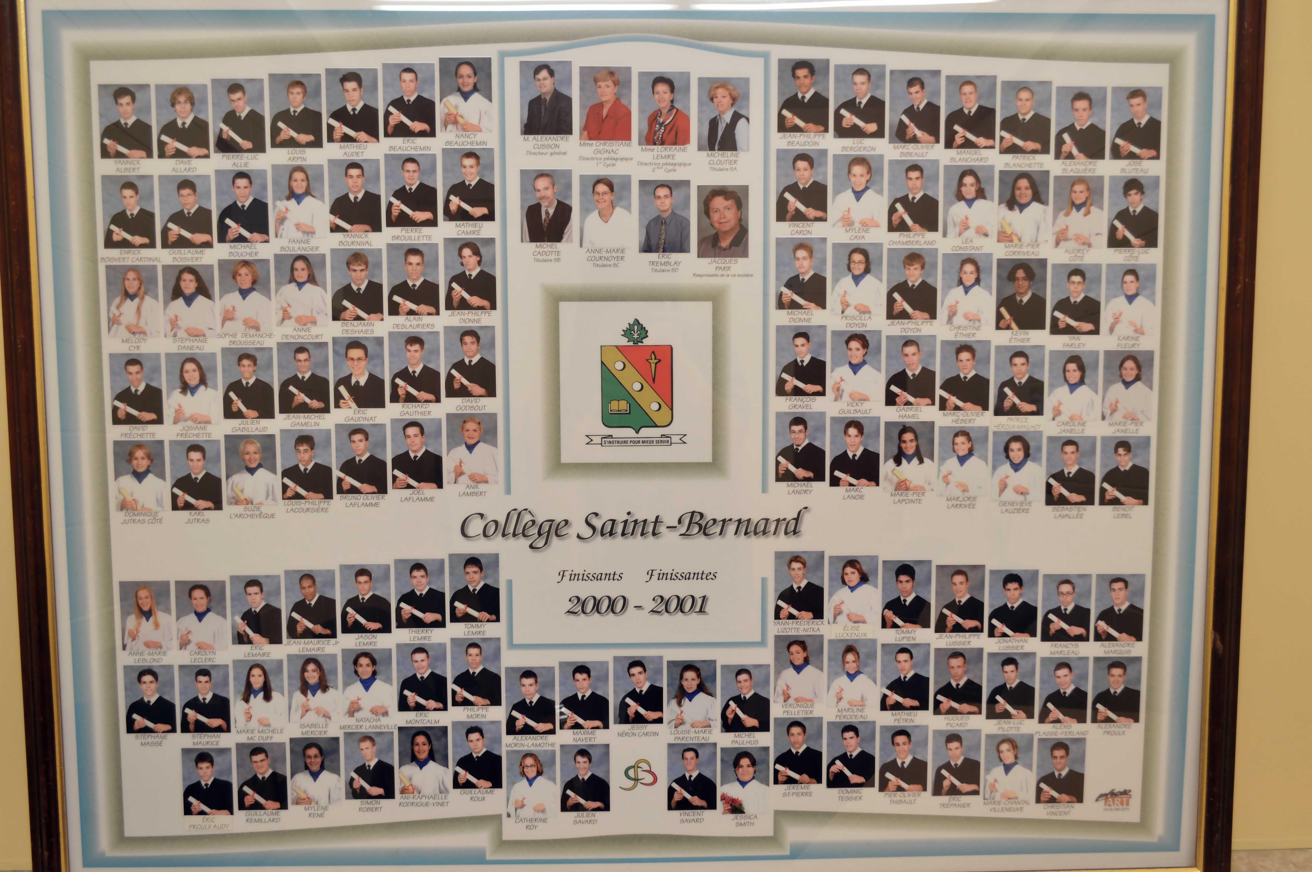 College-Saint-Bernard_Graduations-2000-01