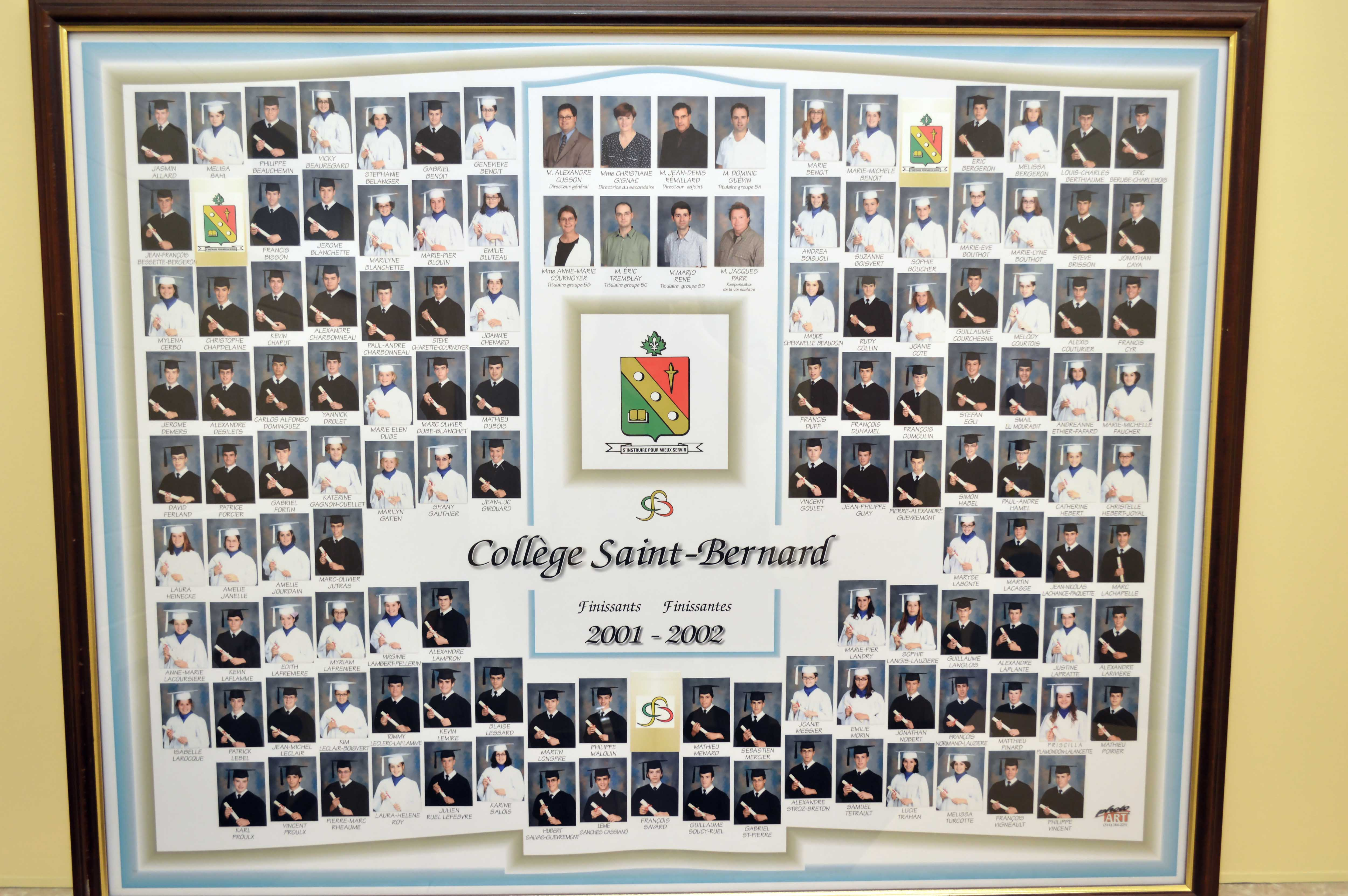 College-Saint-Bernard_Graduations-2001-02