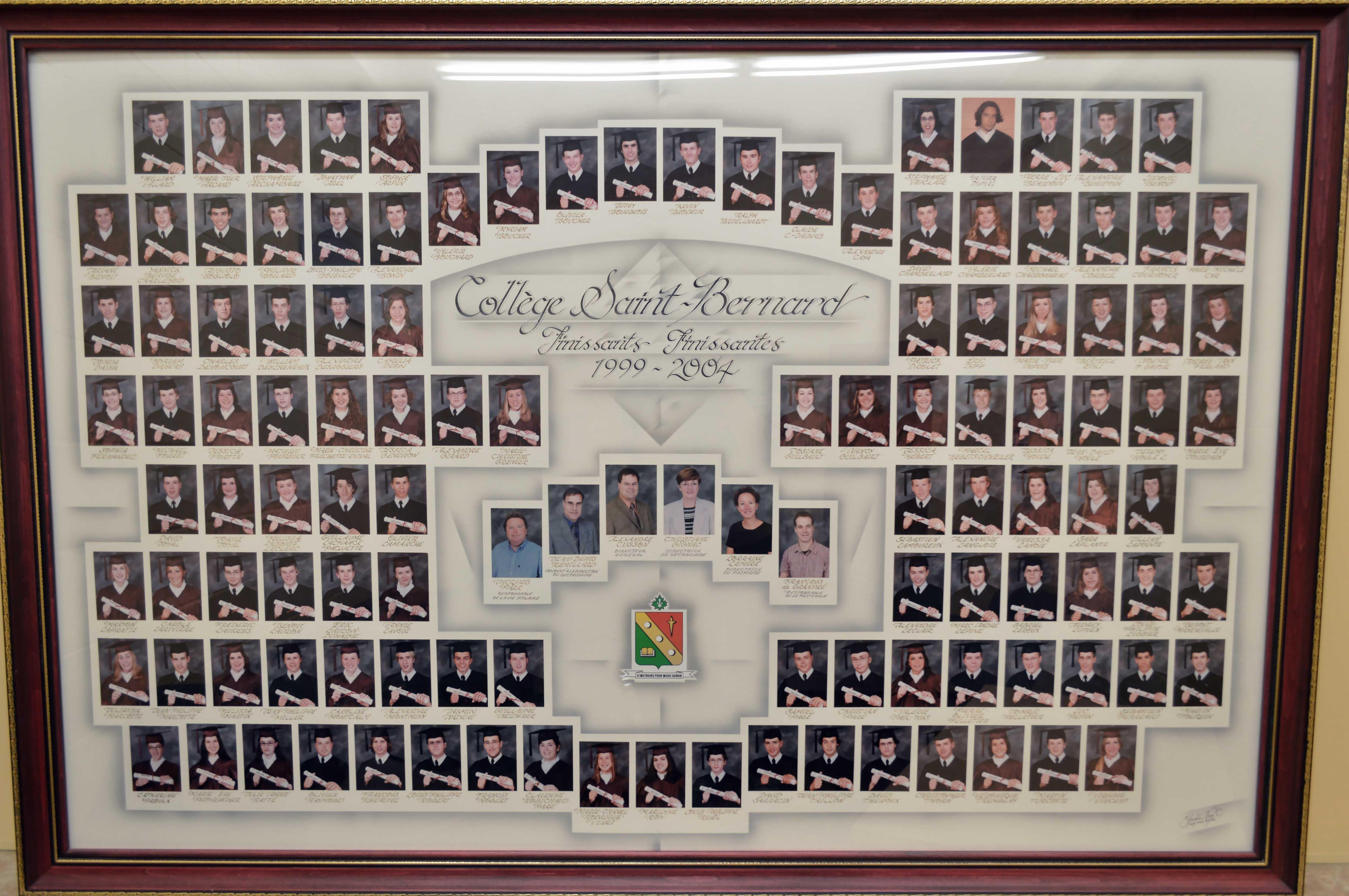 College-Saint-Bernard_Graduations-2003-04