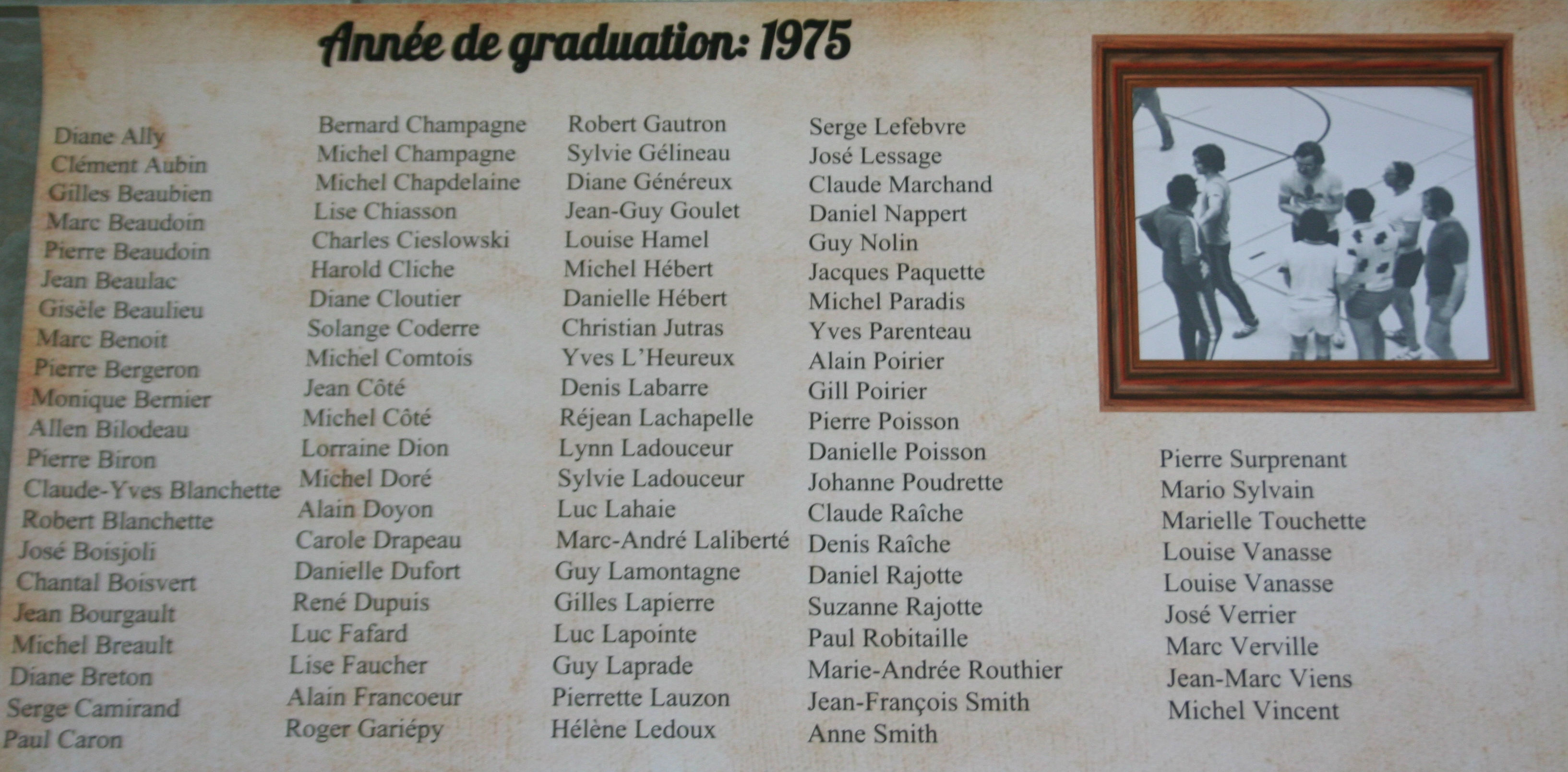 College-Saint-Bernard_Graduations-1974-75